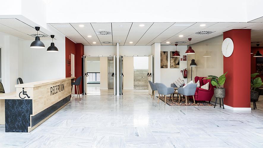 entrada residencia de estudiantes odalys campus sevilla